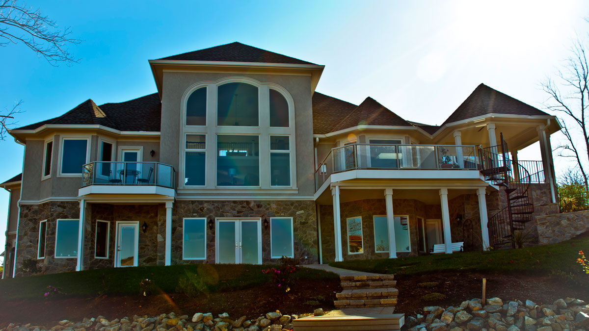 Custom Home - 951 Parkway Ave - Back